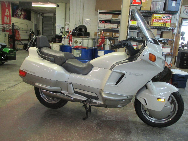 1989 Honda PC 800 Precision Motorcycle 129 Southgate Ave Virginia Beach, VA 23462 757-248-8004